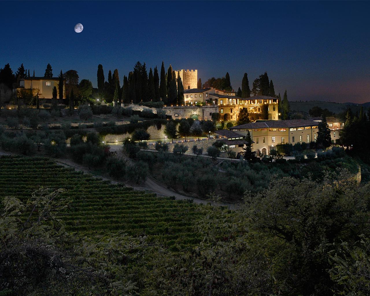 castello-di-verrazzano-di-notte